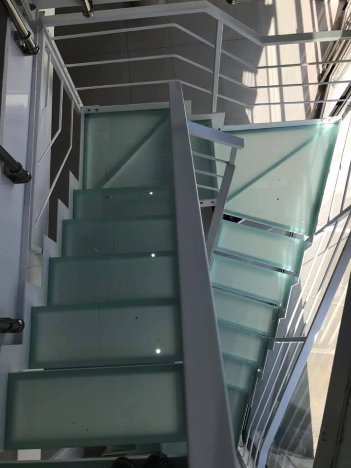 Stairs safety glass 4